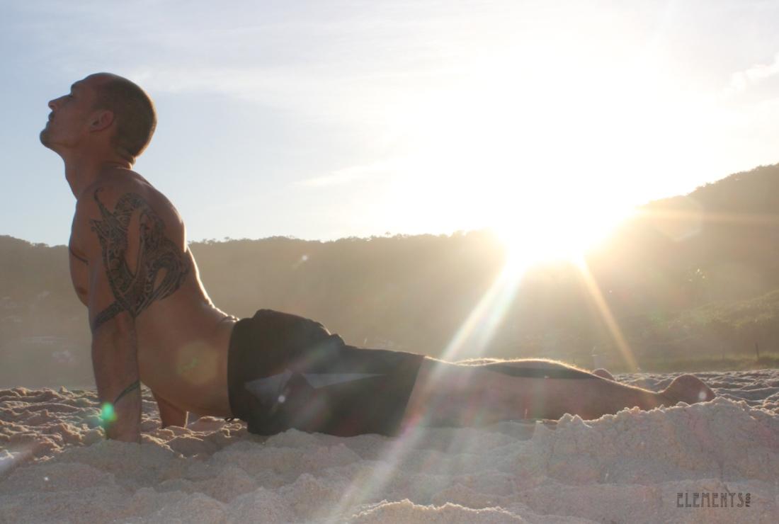 1100-yoga-amaury-lavernhe-bodyboarding-fitness-moz