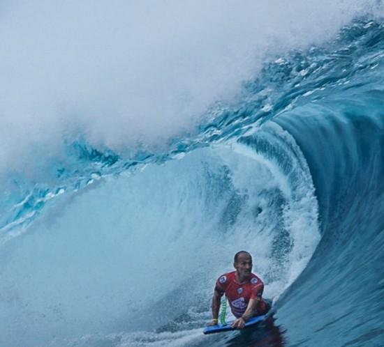 amaury-lavernhe-bodyboarding-world-champion-tahiti-teahupoo-challenge-round1-jorge-colomer-2
